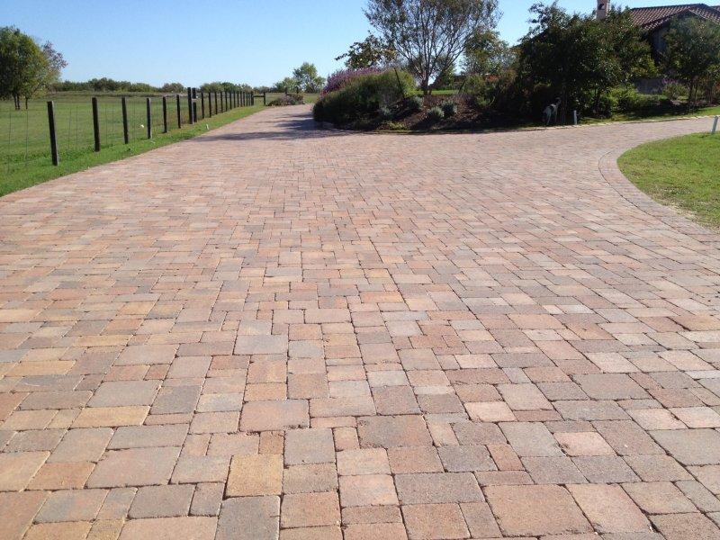 beautiful-pavers-driveway